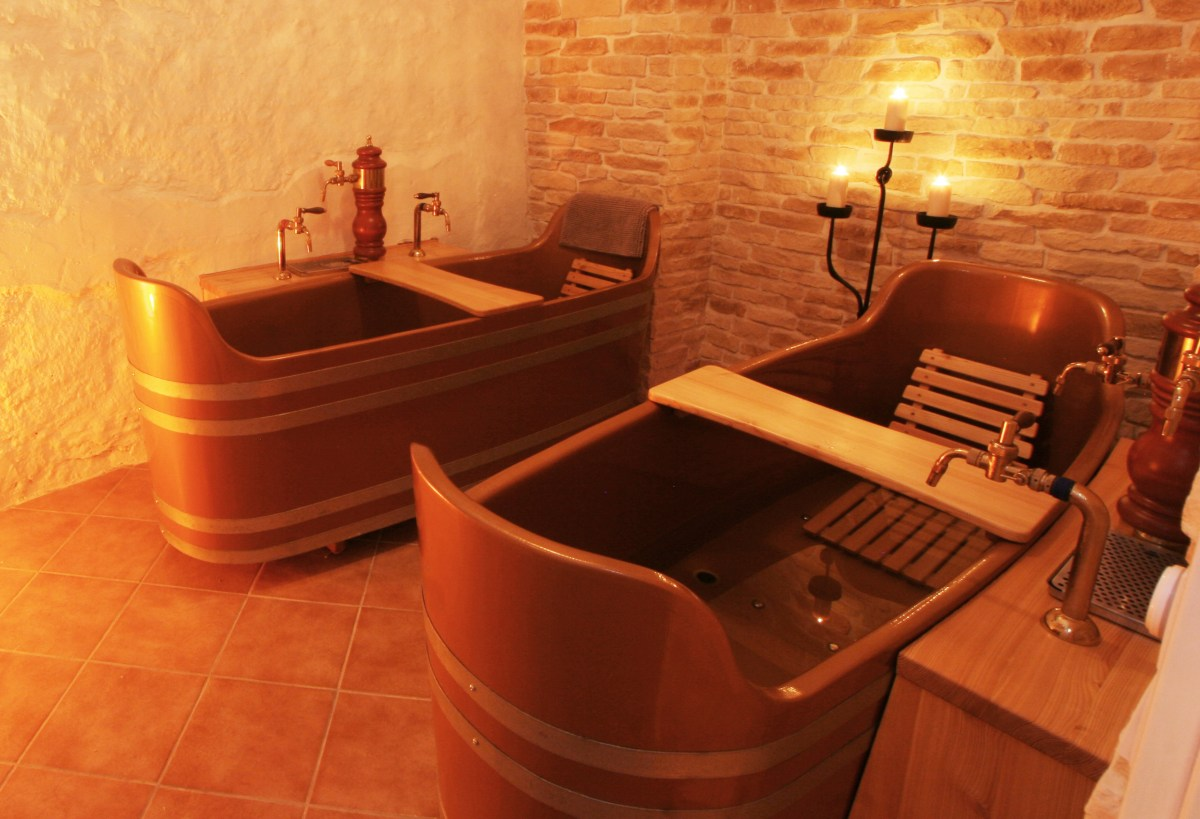 Пивные ванны обещают пивные курорты Чехии и Германии. Фото