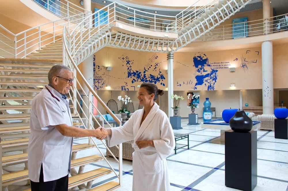 Центр здоровья Pôle Santé Les Célestins предлагает программу