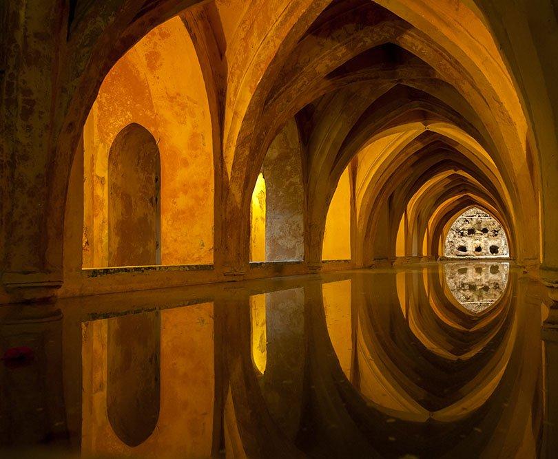 Старинная мавританская баня XVI века, Испания. Фото
